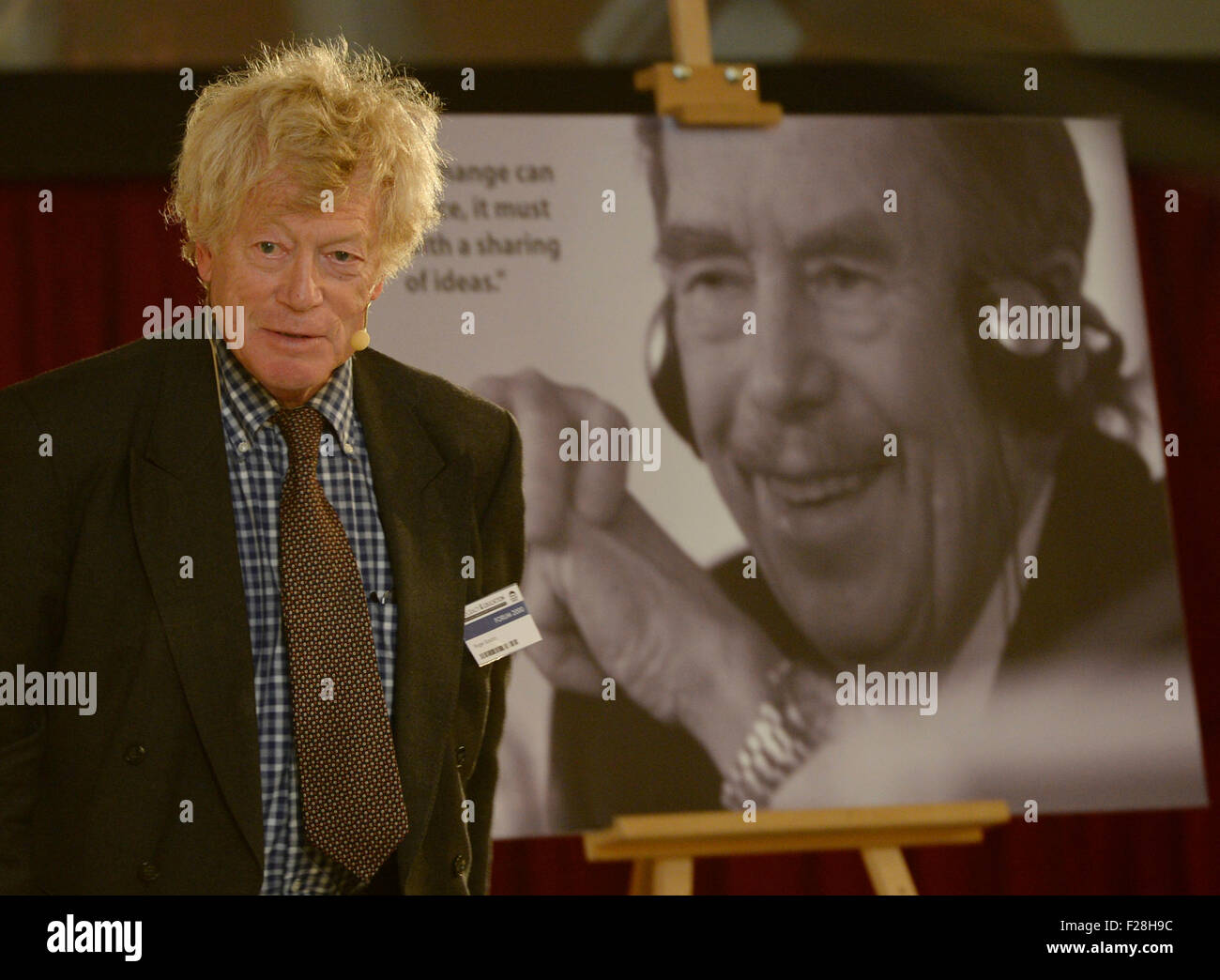 Prague, Czech Republic. 14th Sep, 2015. British English philosopher Roger Scruton attends the Forum 2000 conference - Stock Image