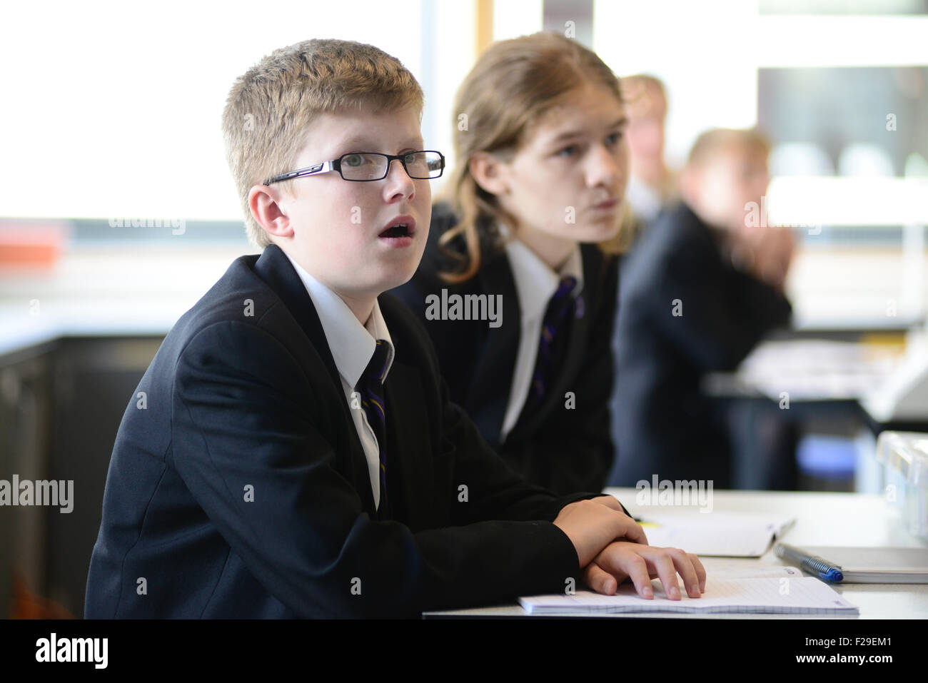 School pupils in a science class. Picture: Scott Bairstow/Alamy - Stock Image