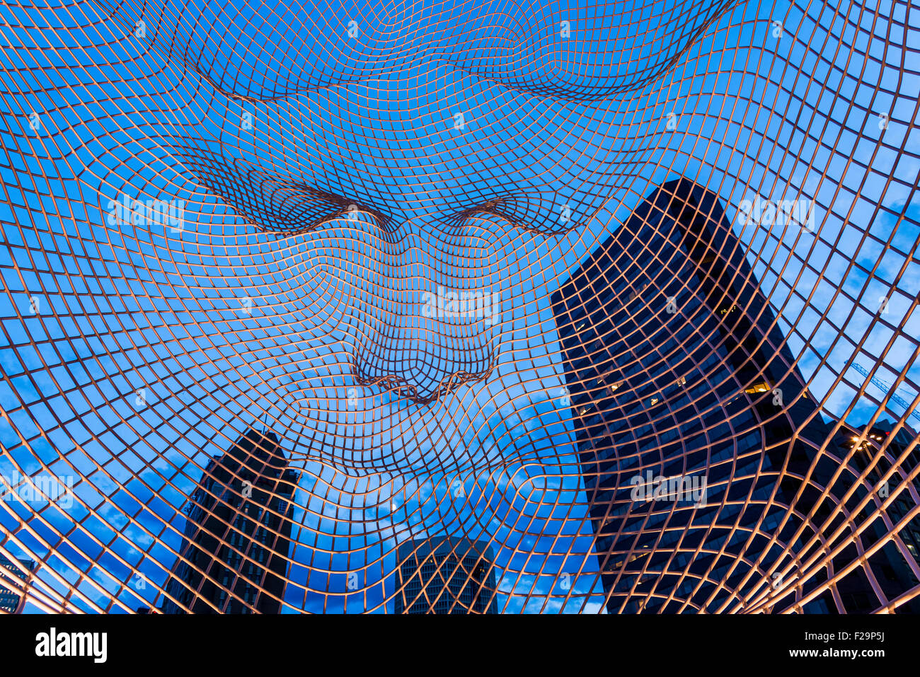Wire Mesh Sculpture Stock Photos & Wire Mesh Sculpture Stock Images ...