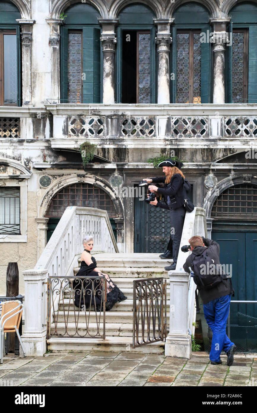 Professional fashion photo shooting in Venice, Palazzo Malipiero Trevisan, Campo Santa Maria Formosa - Stock Image