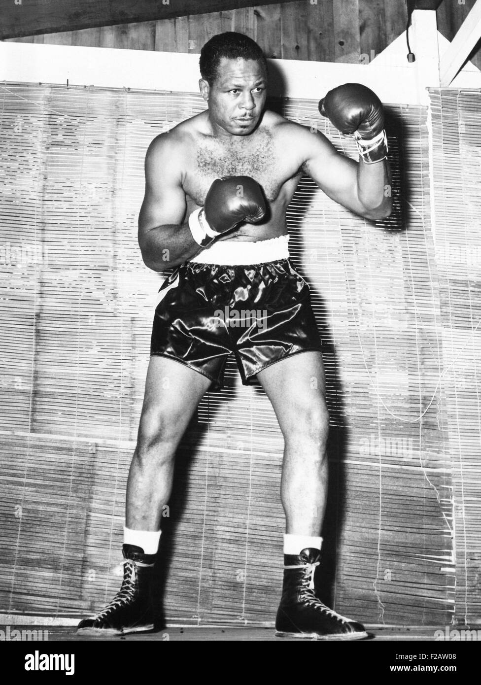 Archie Moore at Kenwood Camp, while training for his match with Rocky Marciano. Aug. 31, 1955. Moore, the light - Stock Image