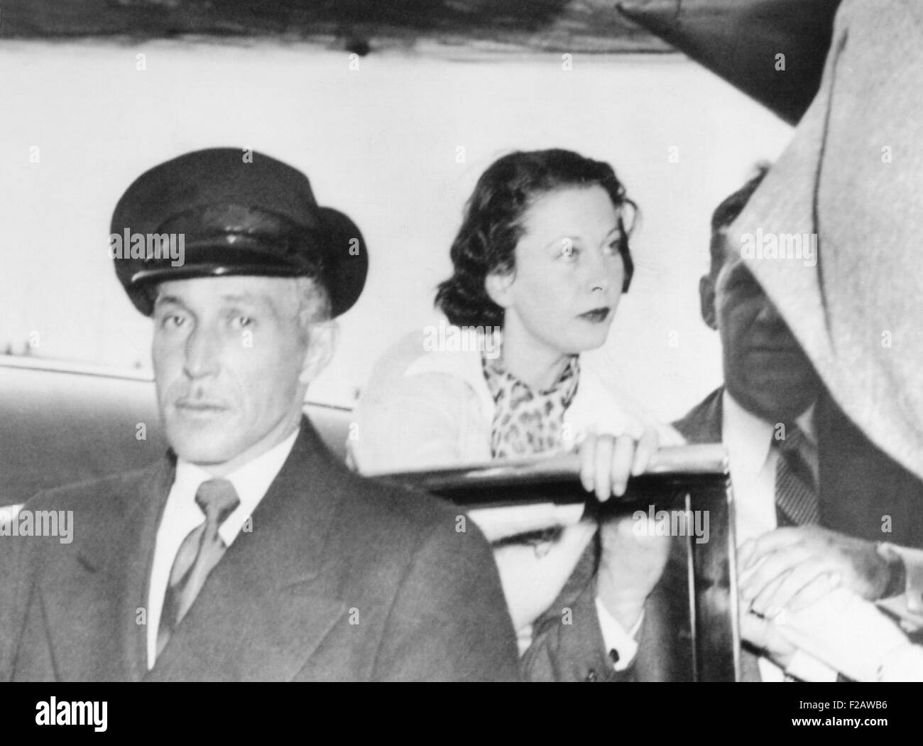 Vivien Leigh, suffering from bi-polar disorder, was accompanied by Laurence Olivier (right). March 19, 1953. They - Stock Image