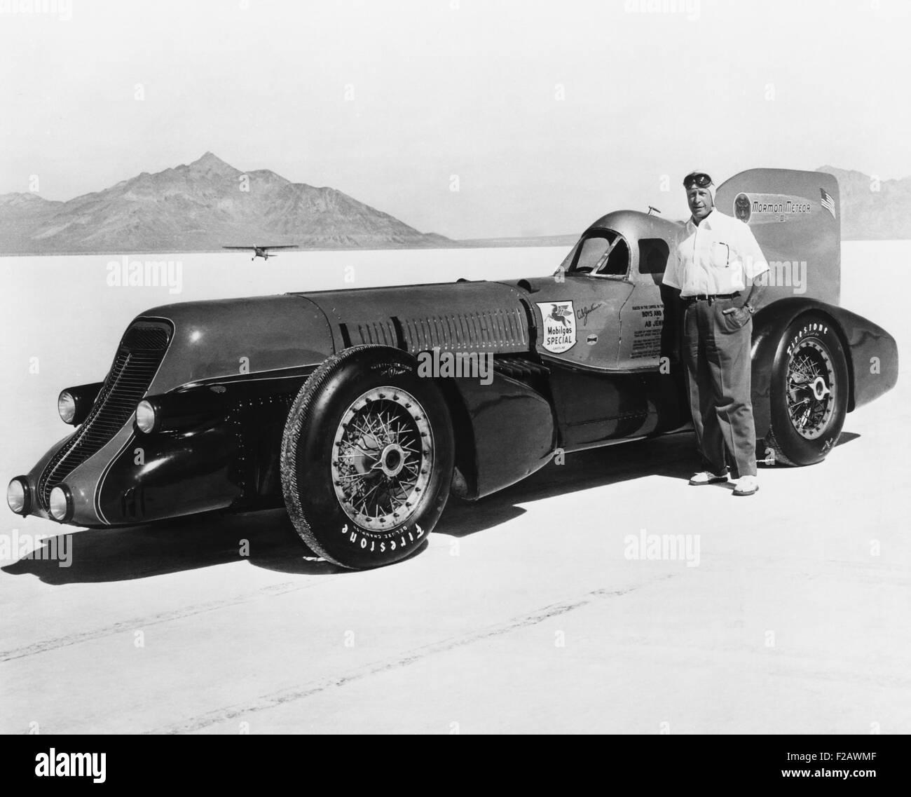 David Abbott 'Ab' Jenkins and the Mormon Meteor III on the Bonneville Salt Flats, ca. 1940. Meteor III was - Stock Image