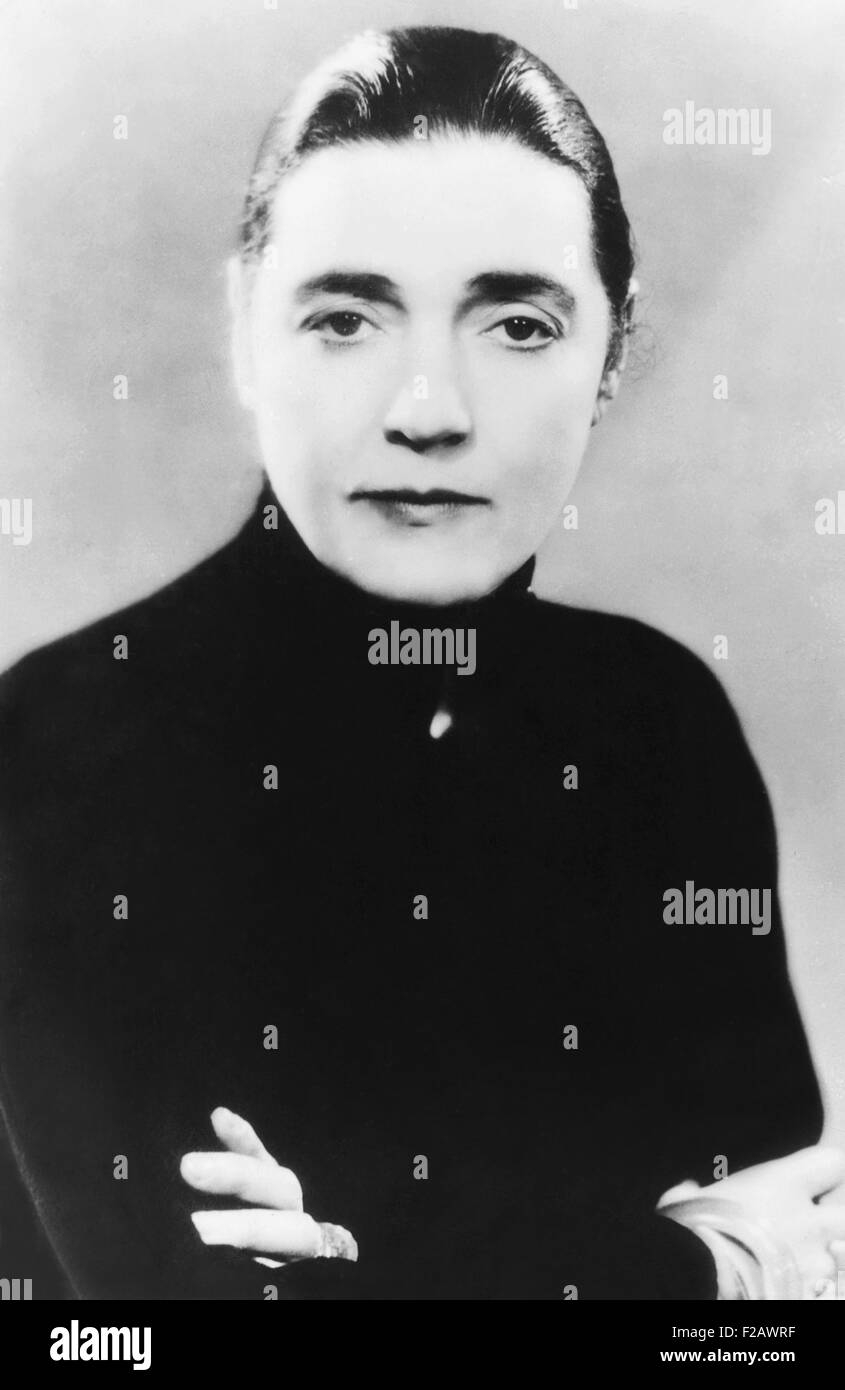 Novelist Fannie Hurst in the 1930s, at the middle of her 50 year writing career. Her 1933 novel IMITATION OF LIFE, - Stock Image