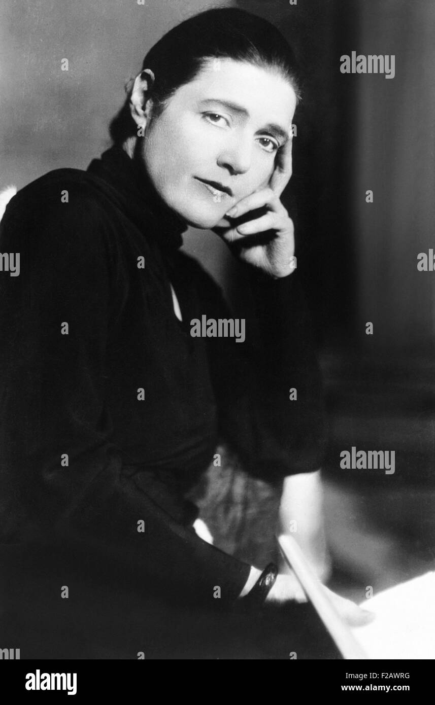 Novelist Fannie Hurst in the 1930s. She published works from 1911 until 1964. In 1925, Hurst and Booth Tarkington - Stock Image