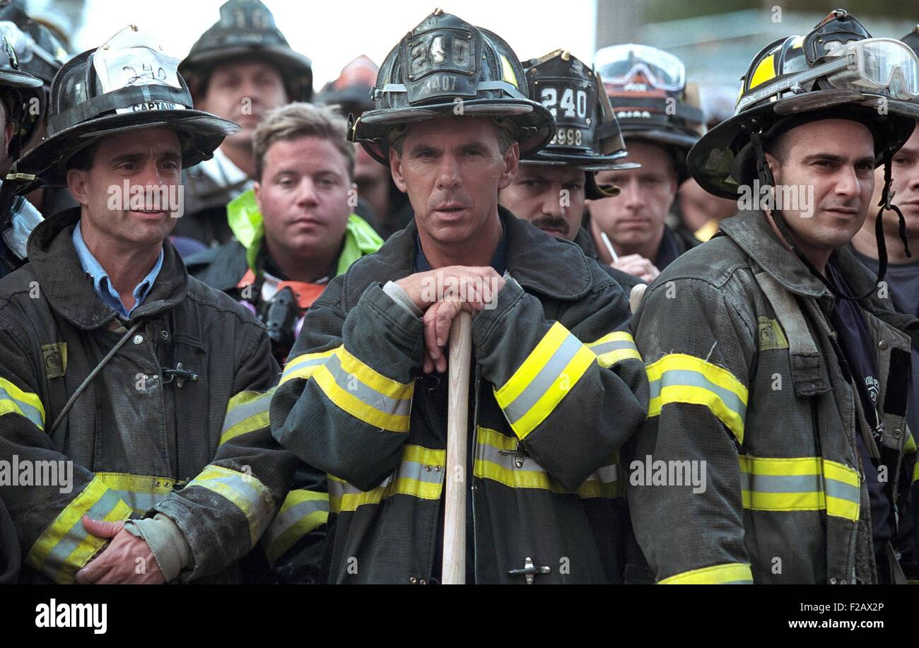 Firemen of the 240th Engine Company during President George W. Bush's visit to Ground Zero. Sept. 14, 2001. - Stock Image