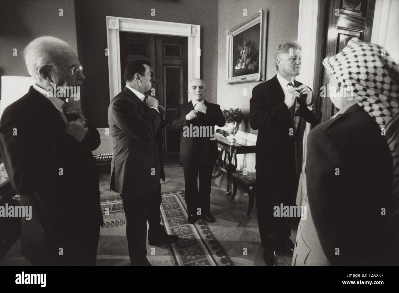 Pres. Clinton and Middle East leaders before signing to extend Palestinian rule on the West Bank. Yitzhak Rabin, - Stock Image
