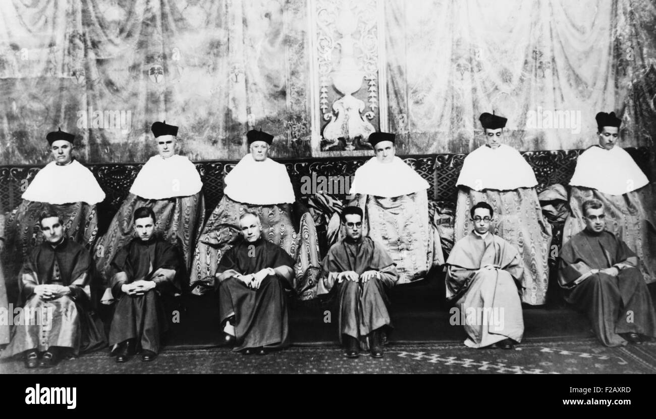 Roman Catholic Bishops after their elevation to Cardinals on Dec. 16, 1929. Sistine Chapel, Vatican. Eugenio Pacelli, - Stock Image