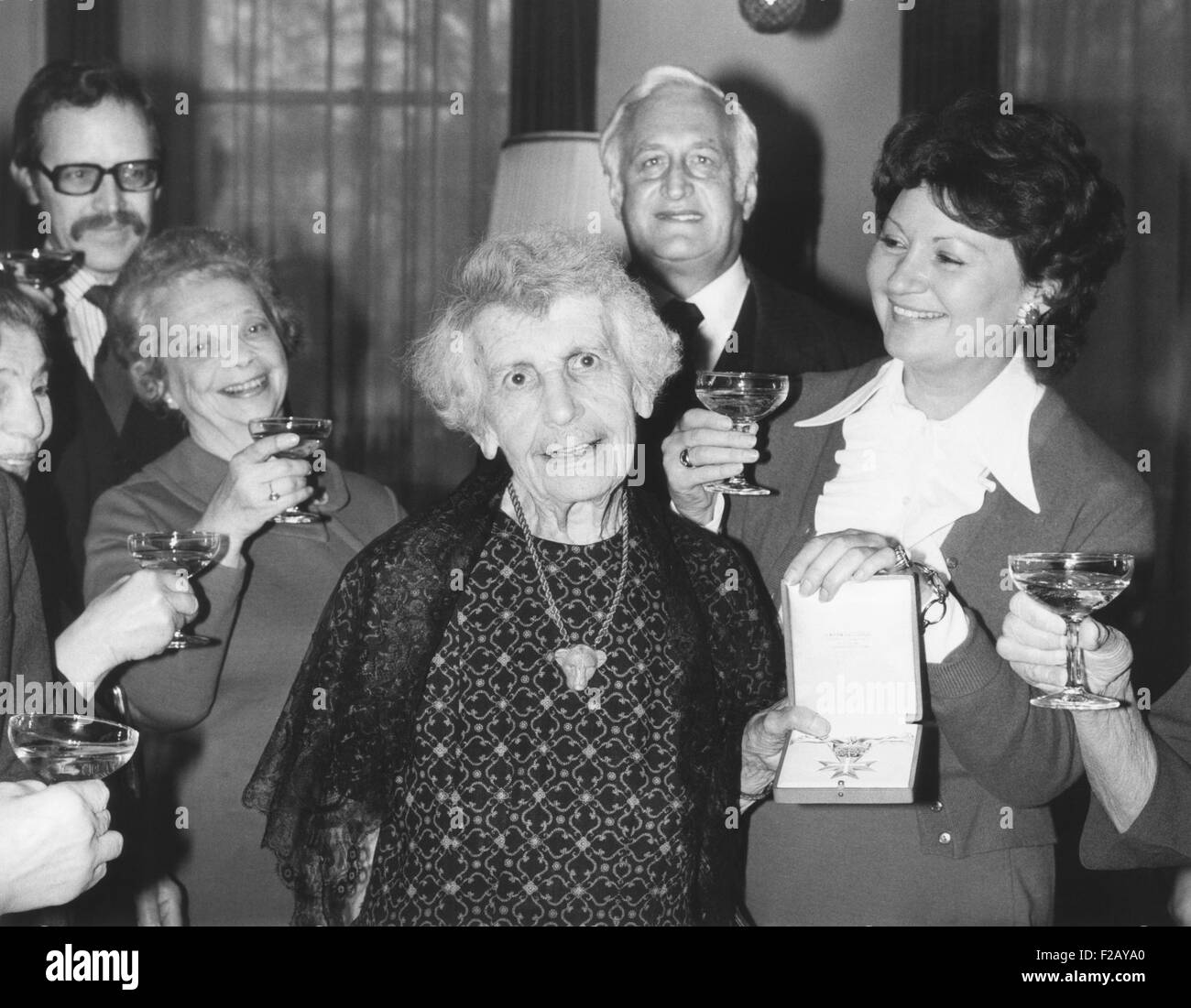 Anna Freud, was presented the Grand Decoration of Honor in Gold for her services to Austria. Dec. 24, 1975. The - Stock Image