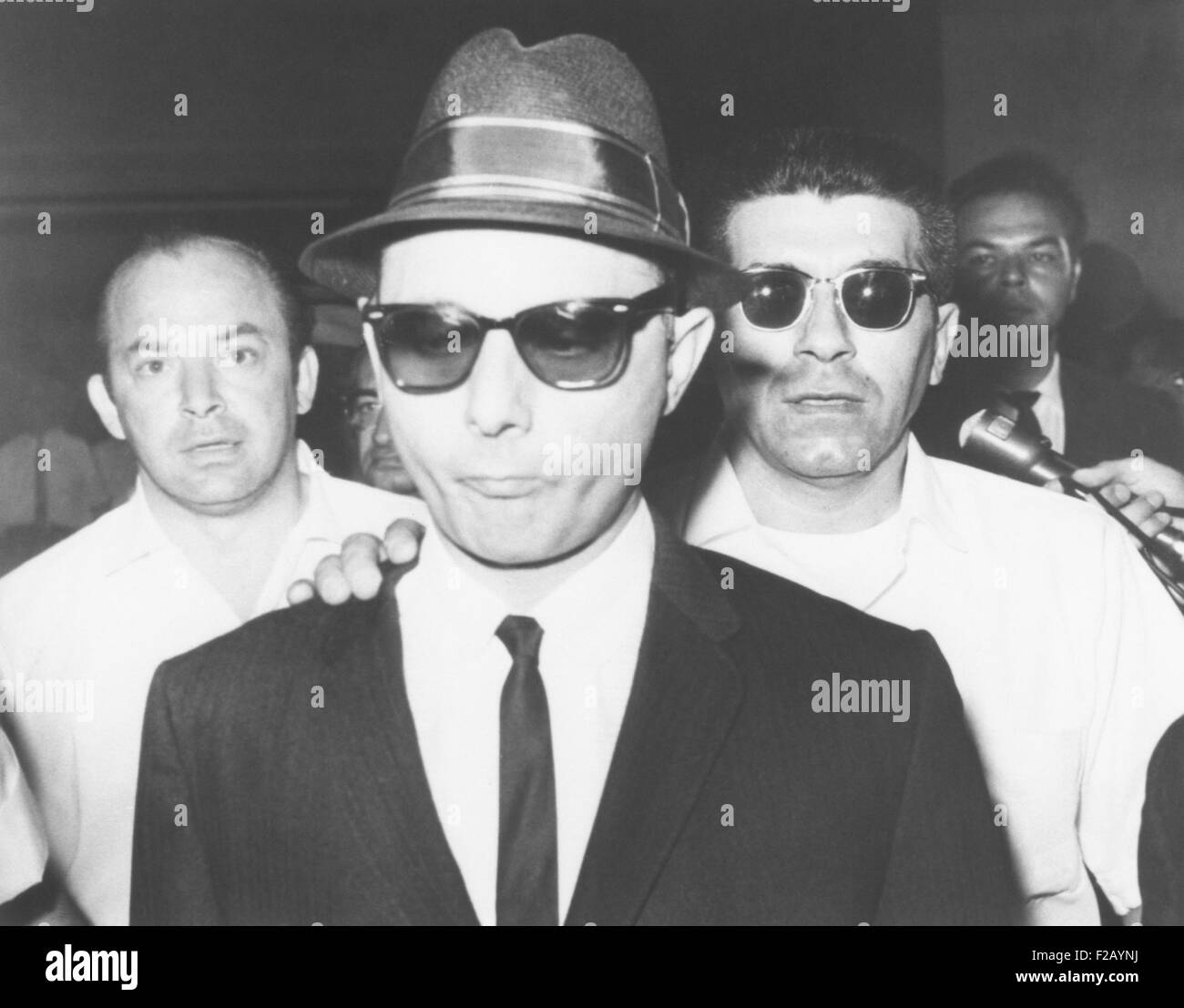 Brooklyn mobster Larry Gallo, arrives at Brooklyn federal court on August 22, 1963. He awaited sentencing for obtaining - Stock Image