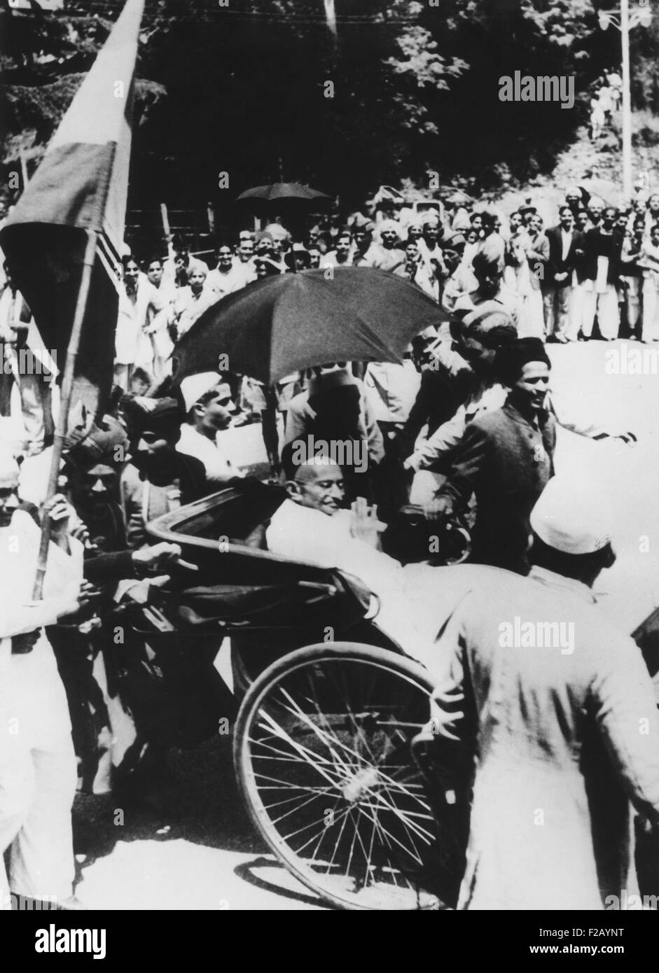 Mahatma Gandhi seated in a carriage to call on Viceroy Lord Wavell prior to the Simla Conference. July 1945. Gandhi - Stock Image