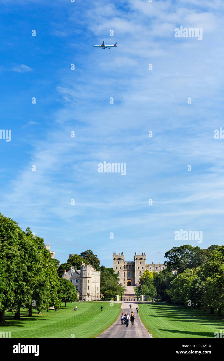 The Long Walk with an Air Canada jet flying over Windsor Castle, Windsor Great Park, Berkshire, England, UK Stock Photo