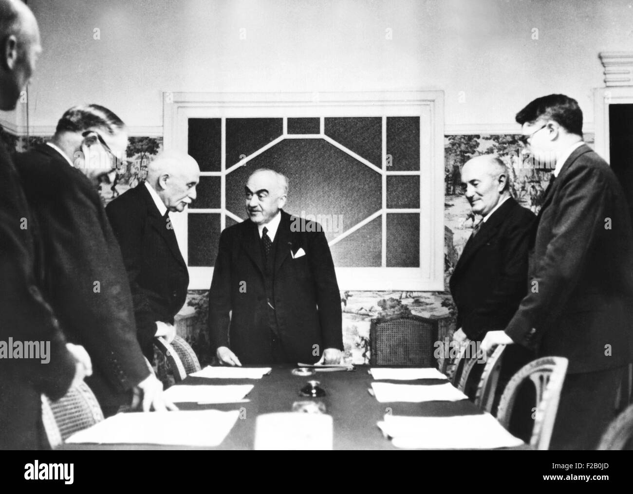 Vichy Cabinet discussing a report by Admiral Darlan, Vichy Foreign Minister. May 31, 1941. Darlan met with Hitler - Stock Image