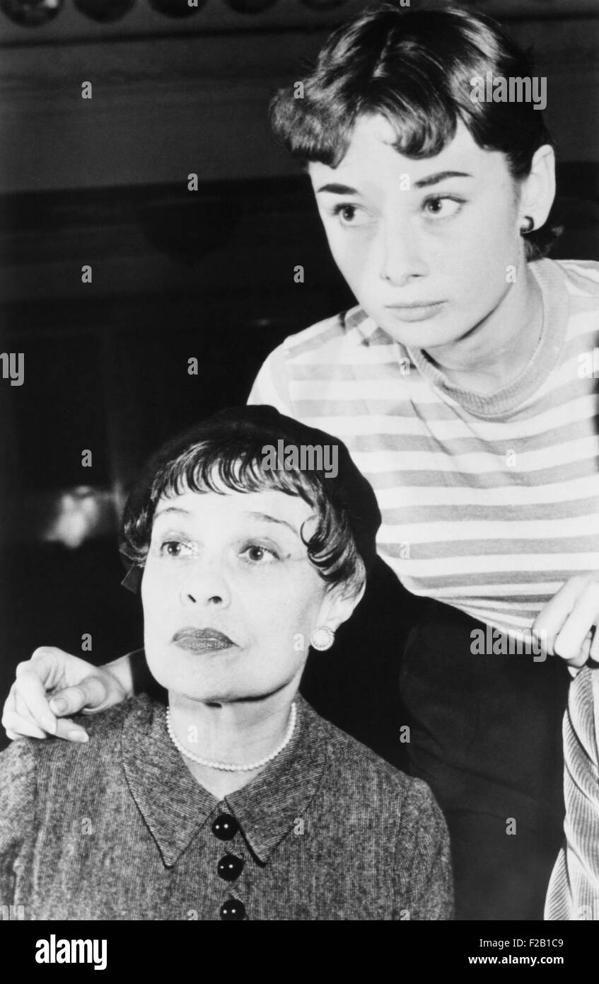 Novelist and playwright, Anita Loos, with actress Audrey Hepburn. Hepburn played the title role on Broadway, in - Stock Image