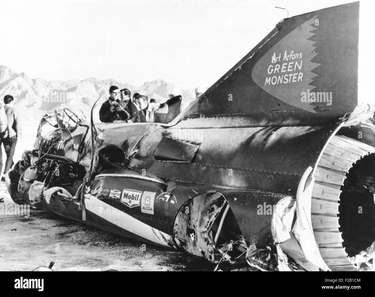 Wreckage of Art Arfons' jet racer, the 'Green Monster', on western Utah's salt flats, Nov. 19, 1966. - Stock Image