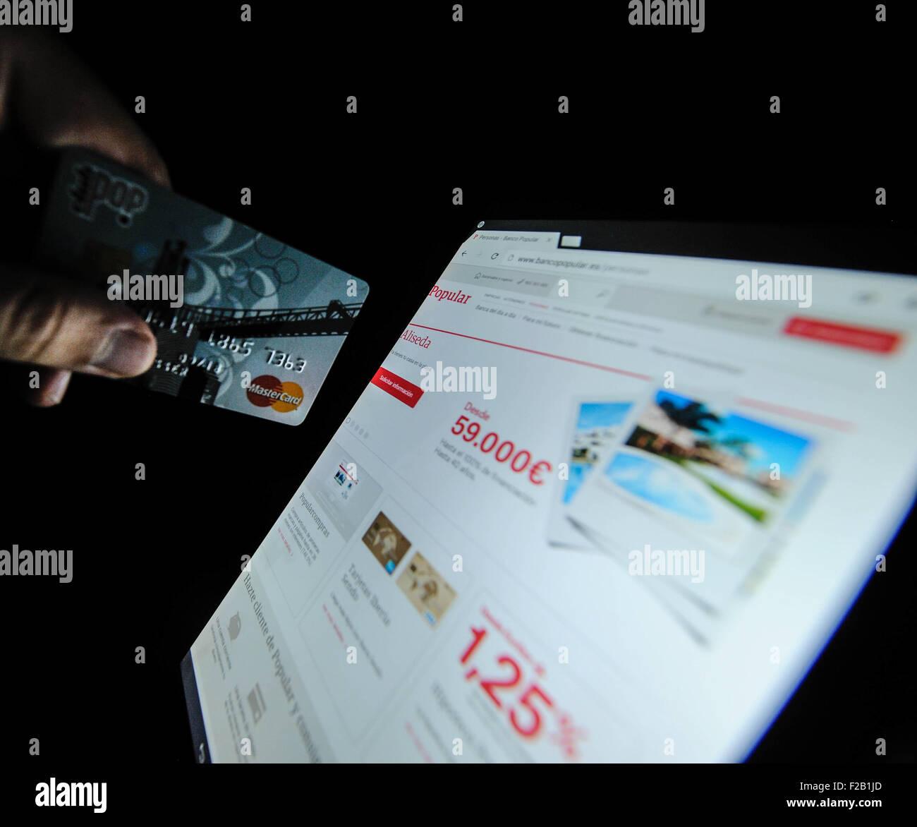 the website of the Popular Bank-la página web del Banco Popular - Stock Image