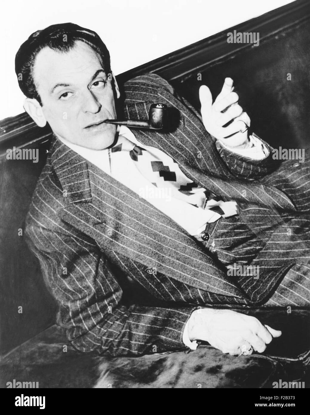Moss Hart directed the WGN Mutual radio production 'You Can't Take It With You'. August 1944. Hart and George - Stock Image
