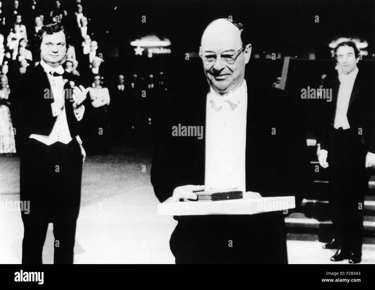 American Prof. John Bardeen, 64, receive Nobel Prize in physics, Dec. 10, 1972. He shared his second physics Nobel Stock Photo