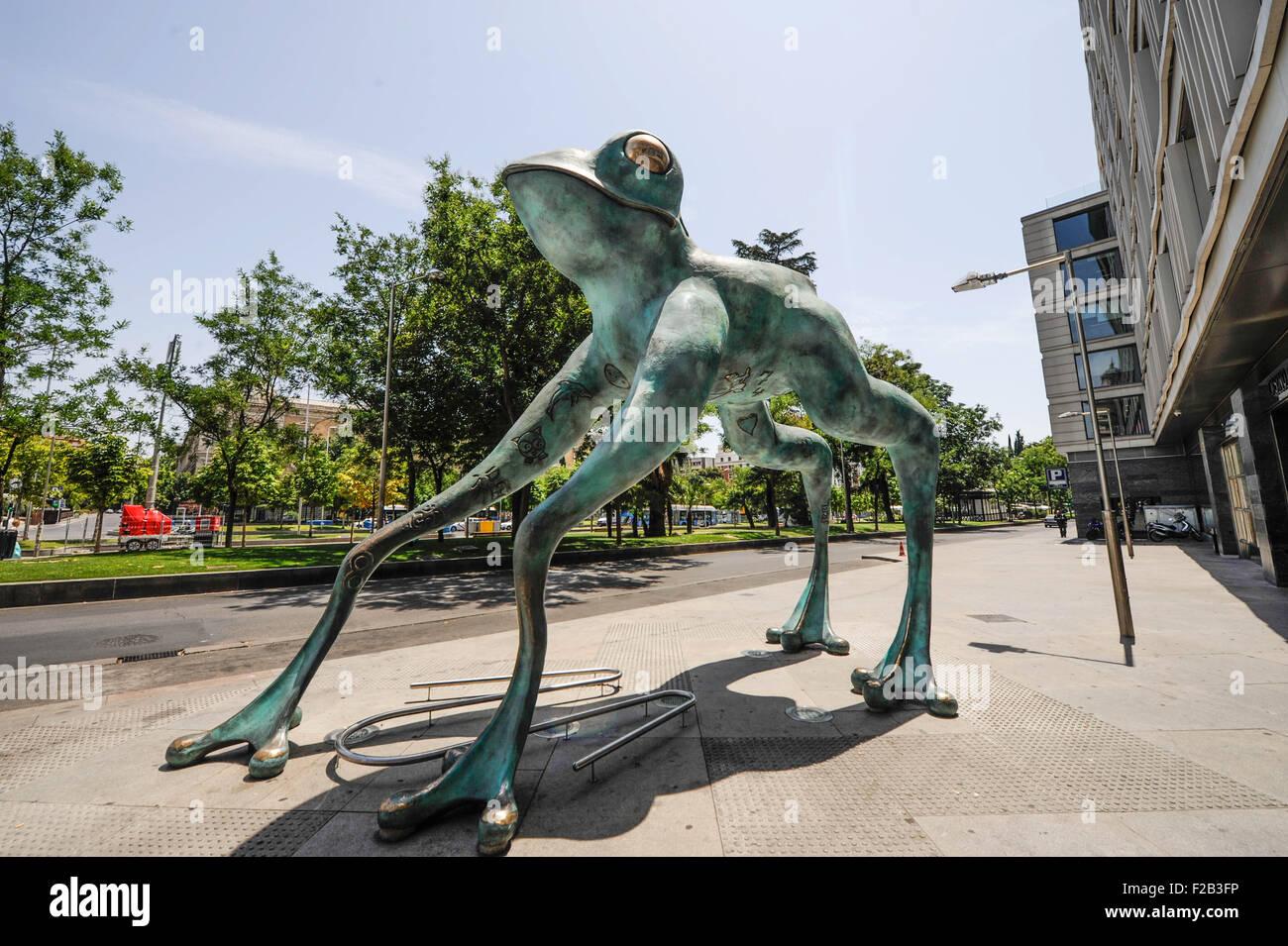 Statue of a frog for good luck in Madrid- estatua de una rana para suerte en Madrid - Stock Image