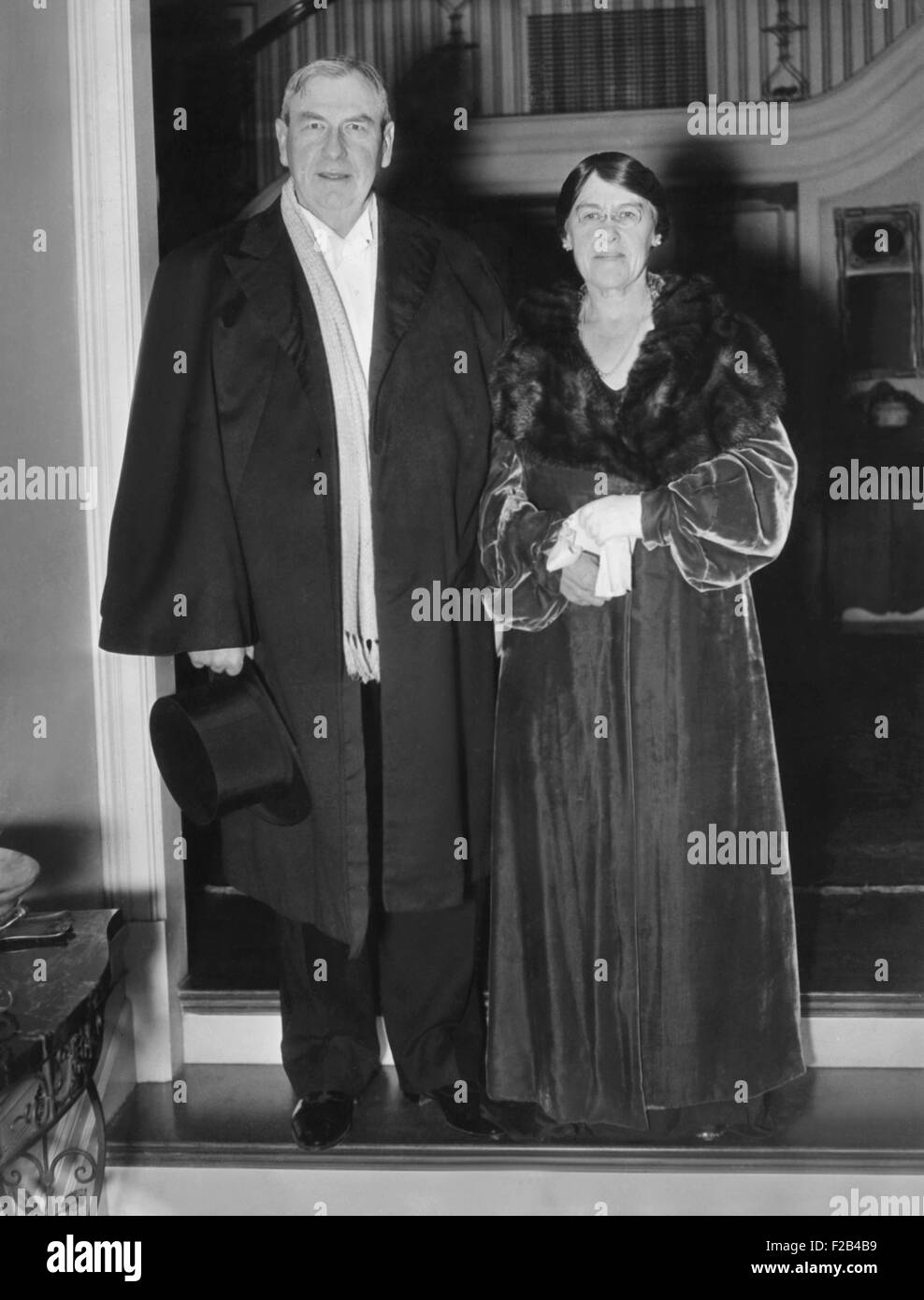 Supreme Court Justice and Mrs. Harlan Stone arrive for White House Annual Judicial Dinner. Jan. 9, 1936. During - Stock Image