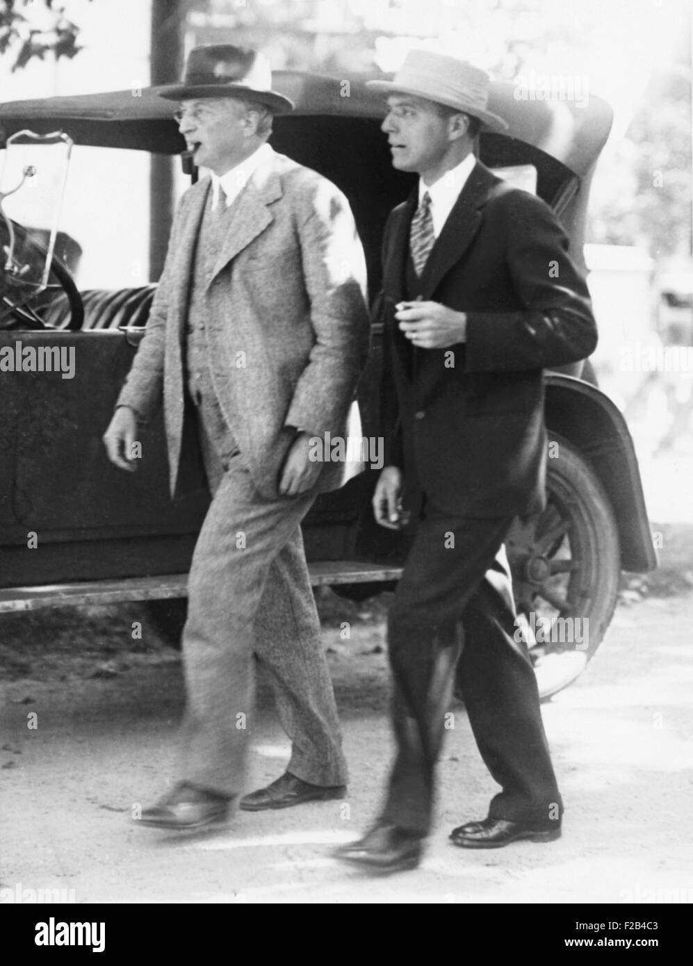 Attorneys William G. Thompson (left) and Herbert Ehrmann, lawyers for Nicola and Vanzetti. They are leaving the - Stock Image