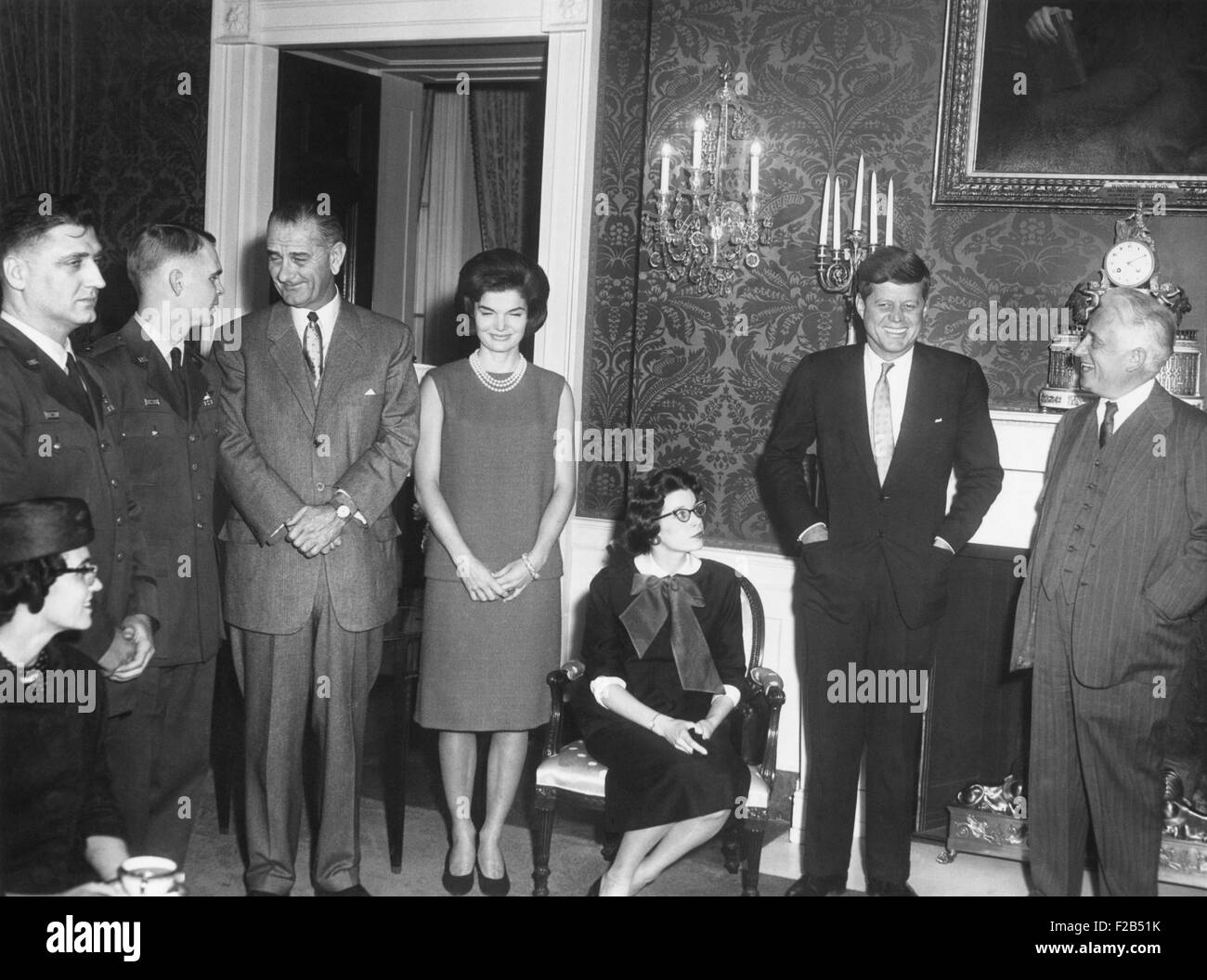 President John Kennedy meets with U.S. Air Force RB-47 pilots released from the Soviet Union. Capt. Freeman Olmstead, - Stock Image