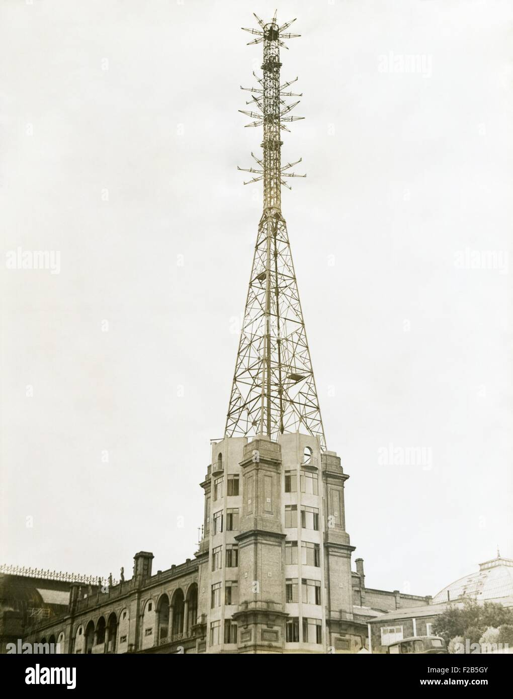 Television tower at Alexandra Place in London, Aug. 17, 1936. The British Broadcasting Corporation (BBC) has television - Stock Image