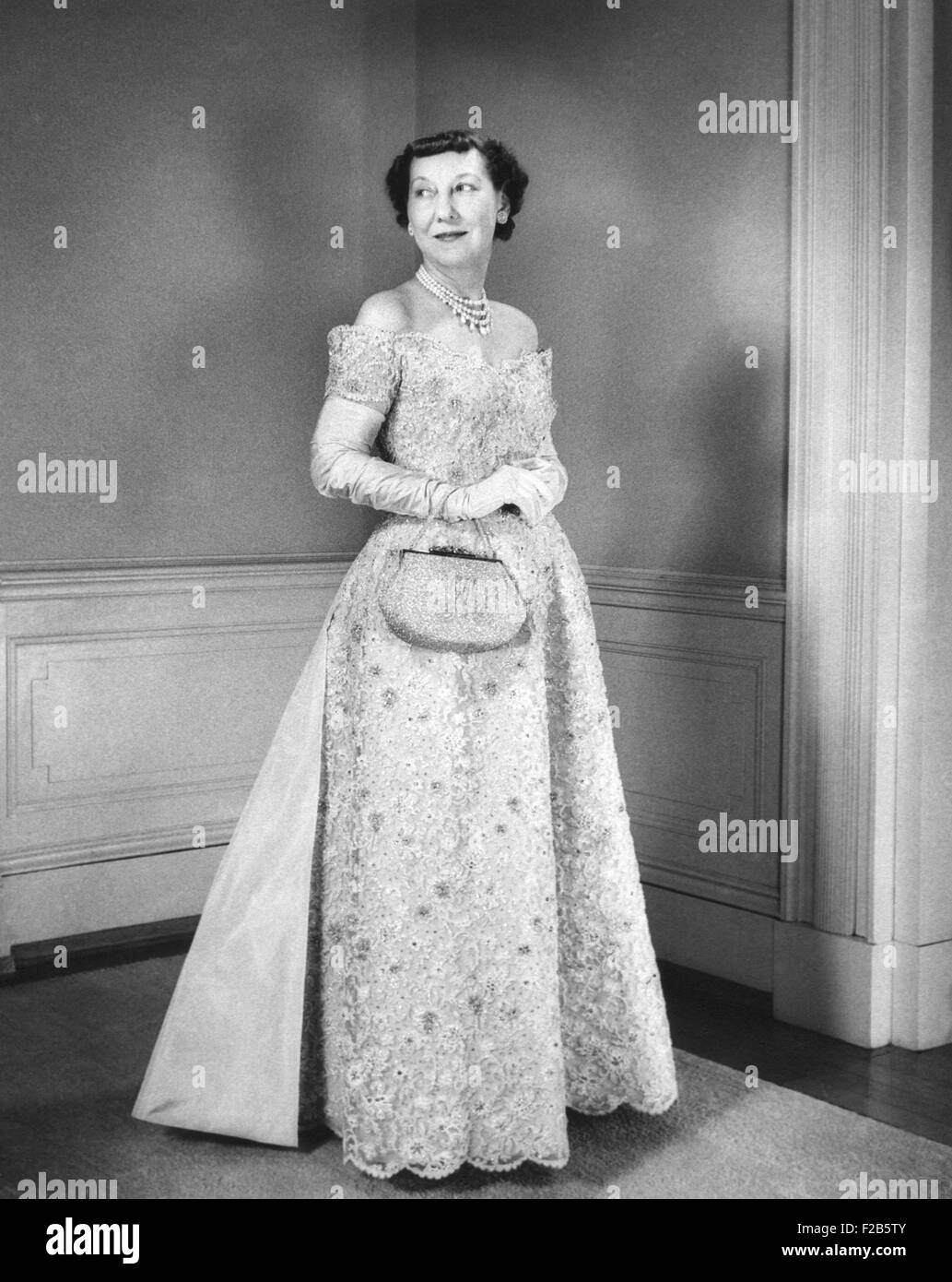 Evening Gown 1950s Stock Photos & Evening Gown 1950s Stock Images ...