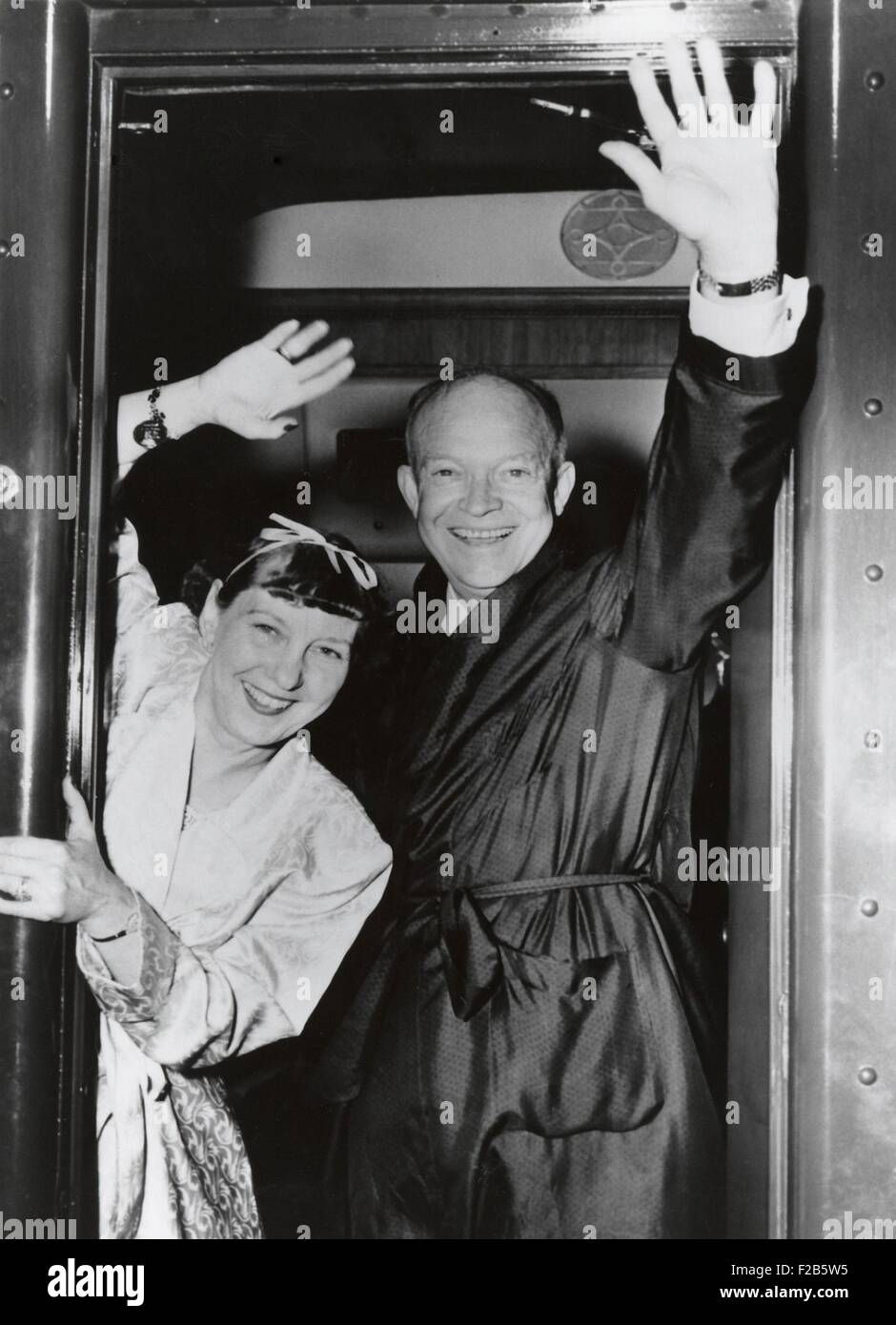 Republican Presidential candidate Dwight Eisenhower and Wife Mamie wave from their campaign train. July-Nov. 1952. - Stock Image