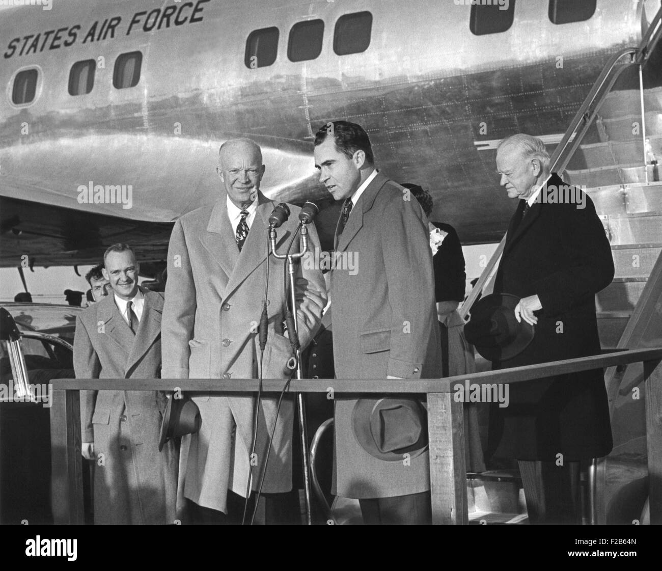 VP Nixon welcomes President Eisenhower to Washington after his seven week hospitalization in Denver. Nov. 11, 1955. - Stock Image