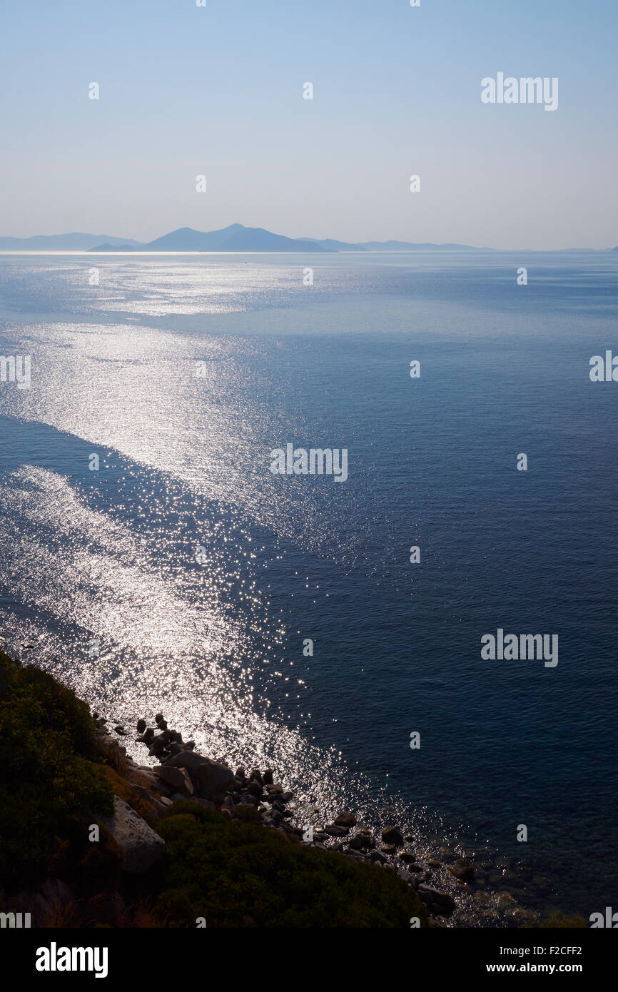 Aegean Sea, Greece, showing Fourni and Samos in the distance, Ikaria in the foreground. AKA Icarian Sea - Stock Image