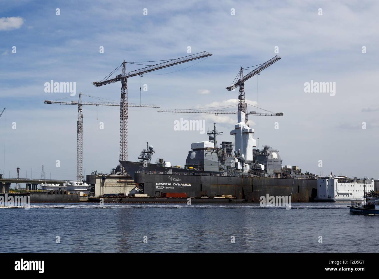 USS Vella Gulf (CG-72) in dry dock in GENERAL DYNAMICS NASSCO shipyard Norfolk Virginia April 2015 - Stock Image