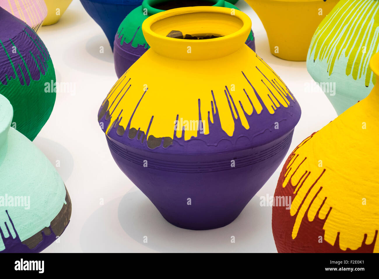 Ai Weiwei, Han Dynasty Vases with industrial paint at the Royal Academy of Arts Exhibition - Stock Image