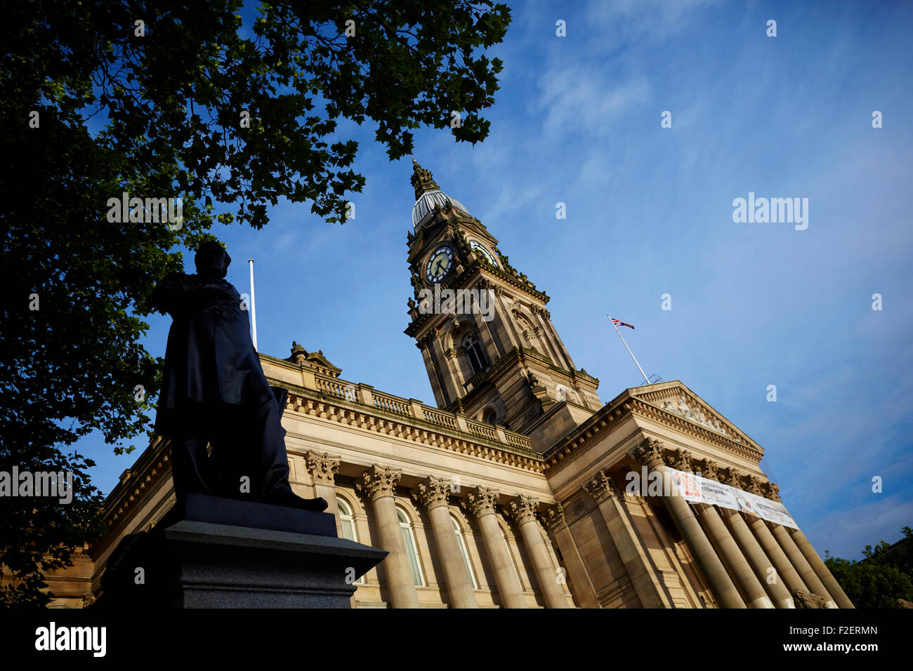 Bolton Town Hall facing Victoria Square in Bolton, Greater Manchester, England, was built between 1866 and 1873 - Stock Image