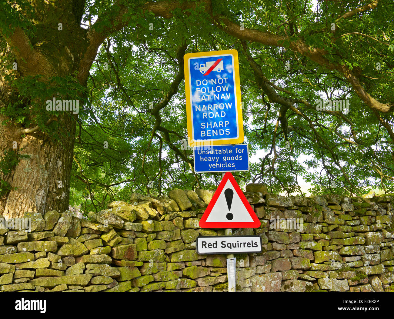 Sign warning not to follow satnav,, England UK - Stock Image