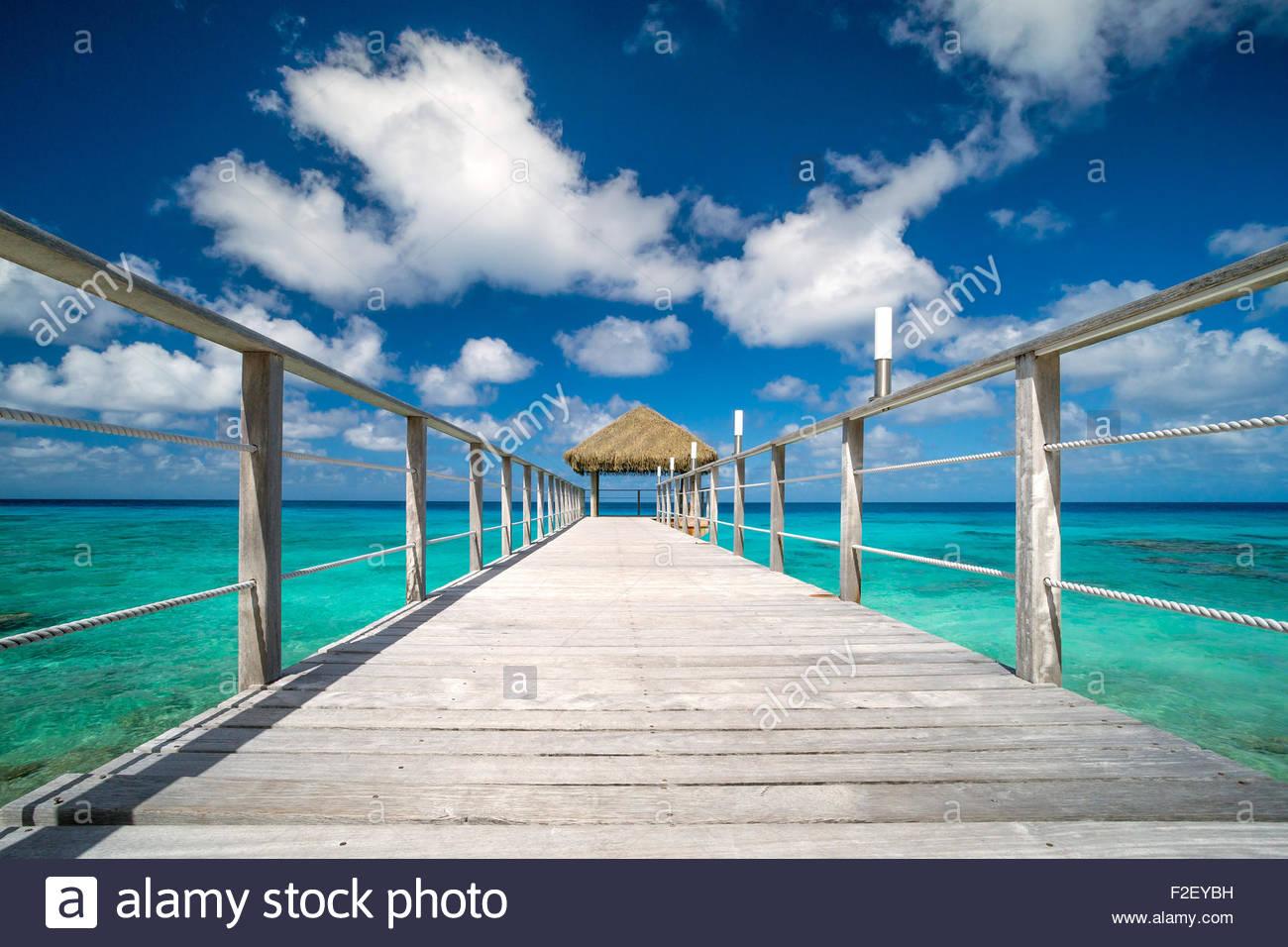 Rangiroa : Maitai hotel - jetty (pier) over the lagoon (French Polynesia) - Stock Image