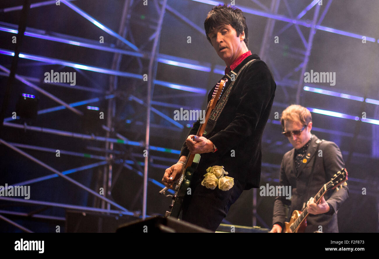 Johnny Marr playing live at Victorious Festival, Southsea, 2015. Stock Photo