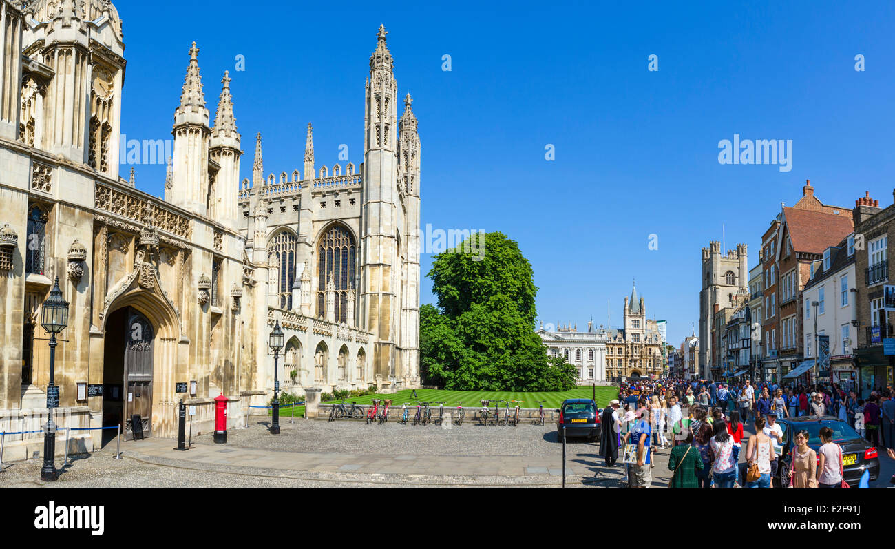 The entrance to King's College and view down King's Parade, Cambridge, Cambridgeshire, England, UK - Stock Image