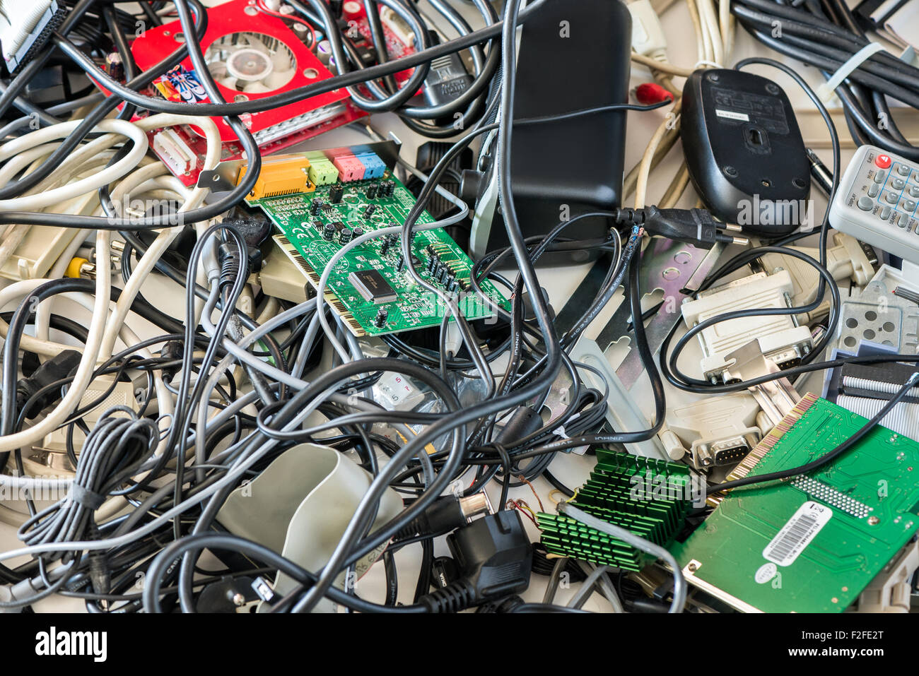 Computer Cables Stock Photos & Computer Cables Stock Images - Alamy