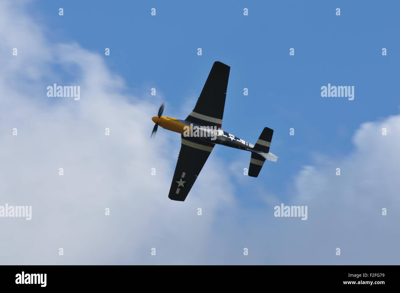 Mustang P51 Ferocious Frankie flying display WW2 fighter Stock Photo