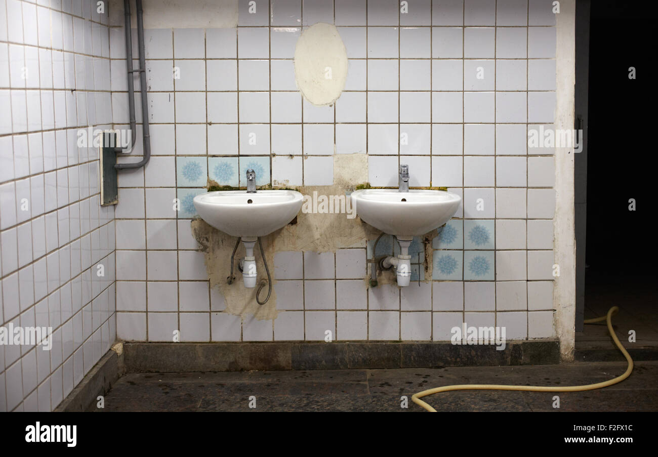 Sinks In A Public Toilets Stock Photos & Sinks In A Public Toilets ...