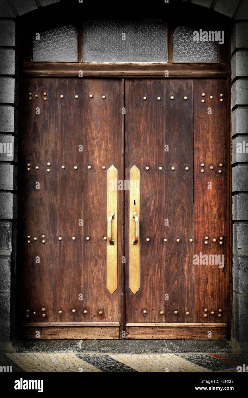 Old Wooden Front Doors High Resolution Stock Photography And Images Alamy