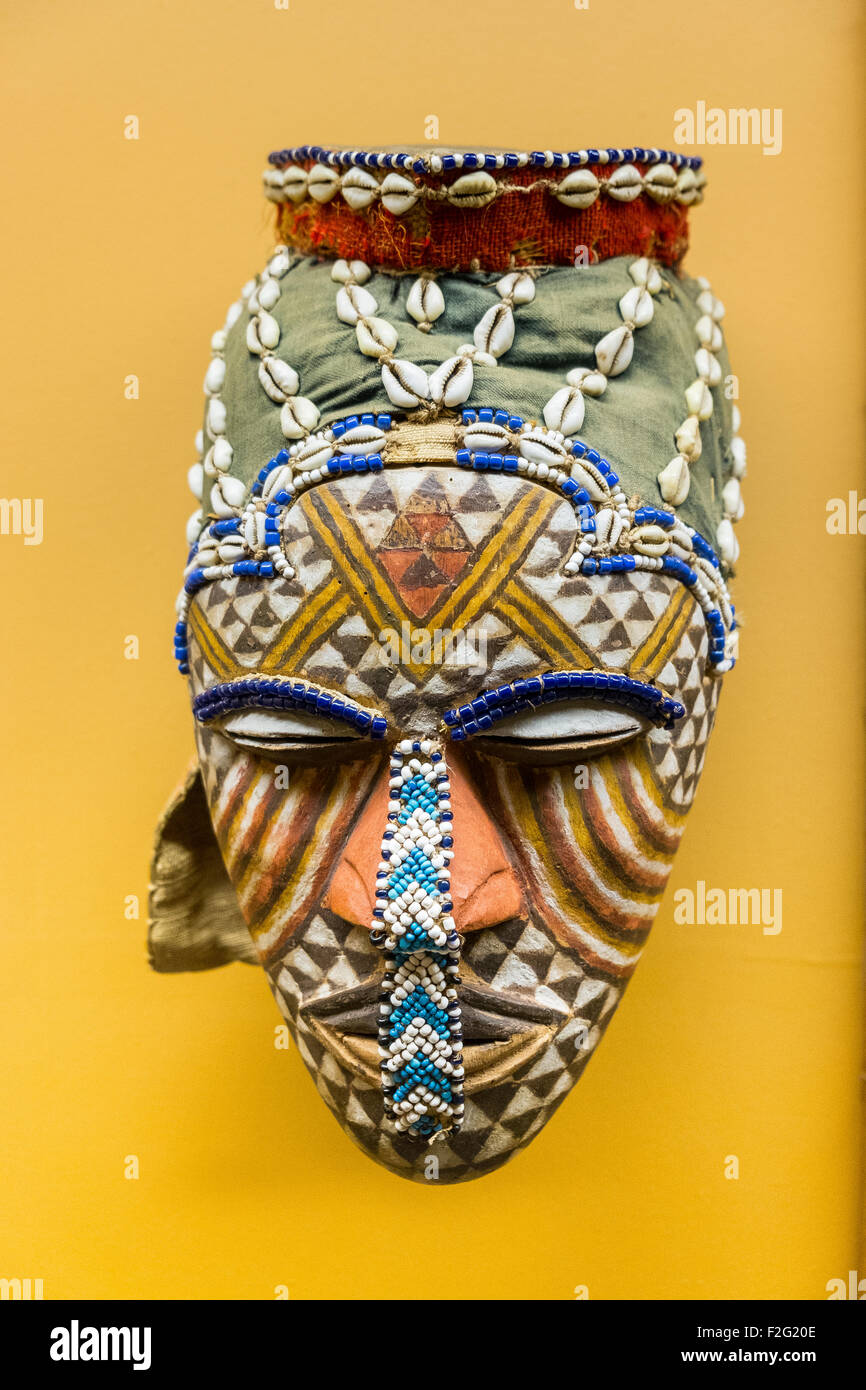 wooden mask statue - Stock Image