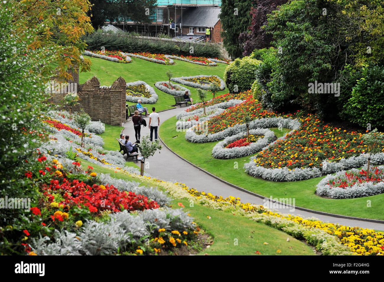 guildford surrey uk alice in wonderland themed gardens in the castle grounds stock image - Alice In Wonderland Garden