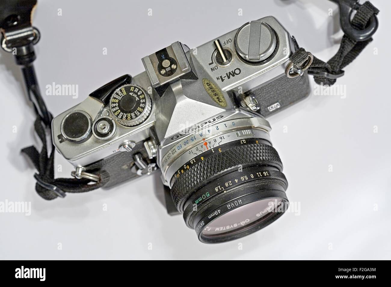 Introduced in 1973 the OM-1 is an all-mechanical SLR. It has a large viewfinder with interchangeable screens but - Stock Image