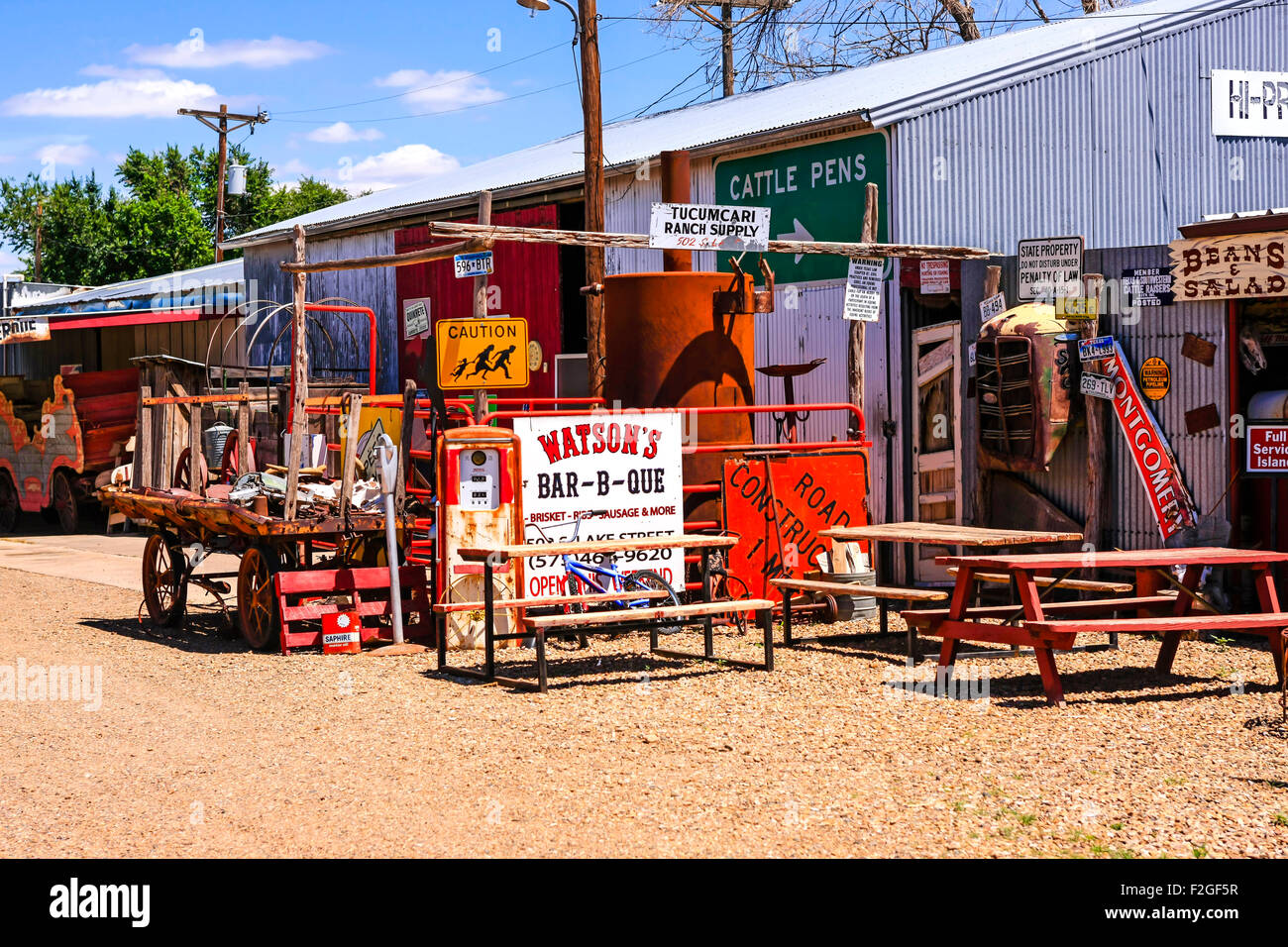 Watson's Bar-B-Que antiques and collectibles store in Tucumcari, New Mexico - Stock Image