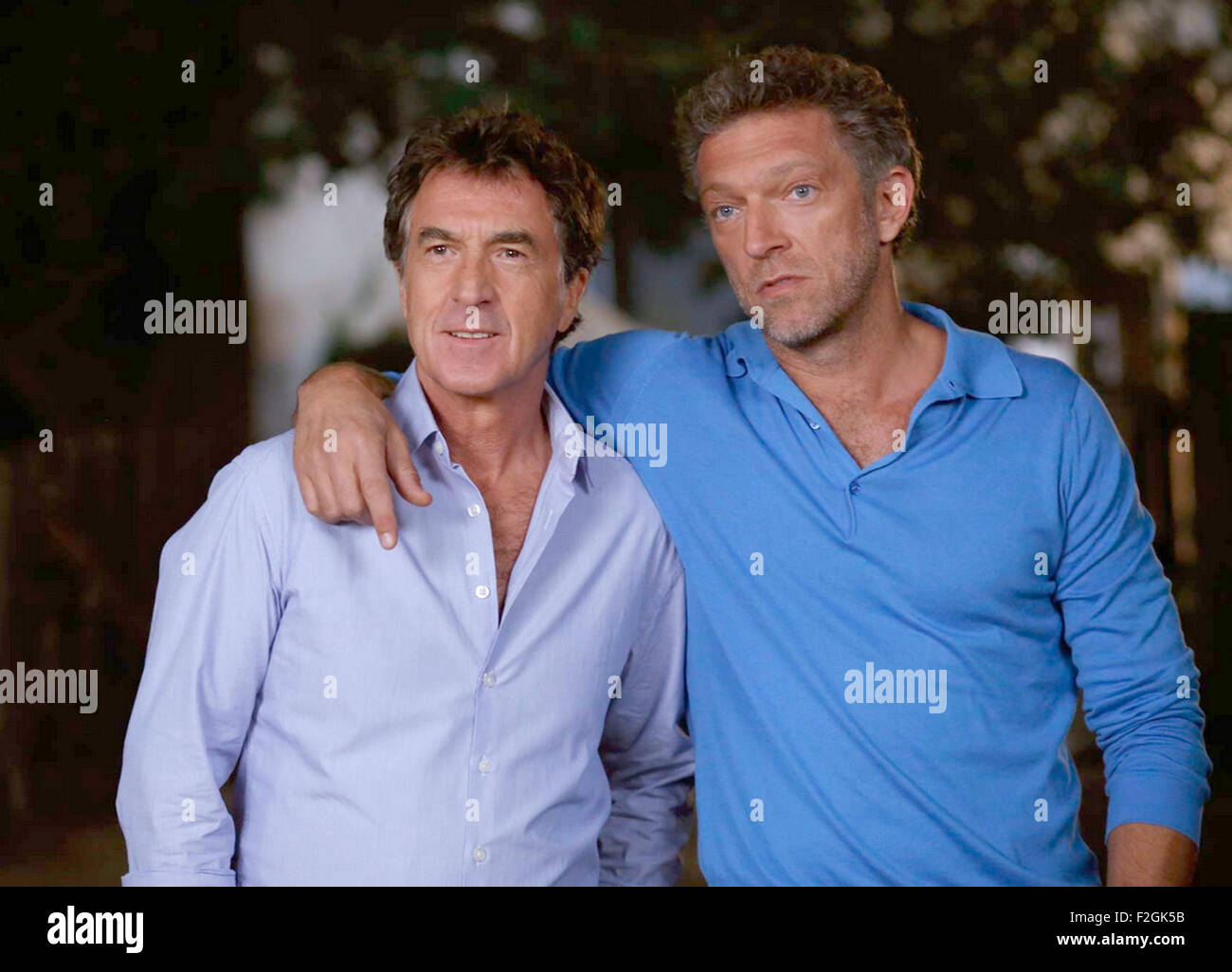 ONE WILD MOMENT 2015 Mars Distribution film with Francois Cluzet (at left) and Vincent Cassel - Stock Image