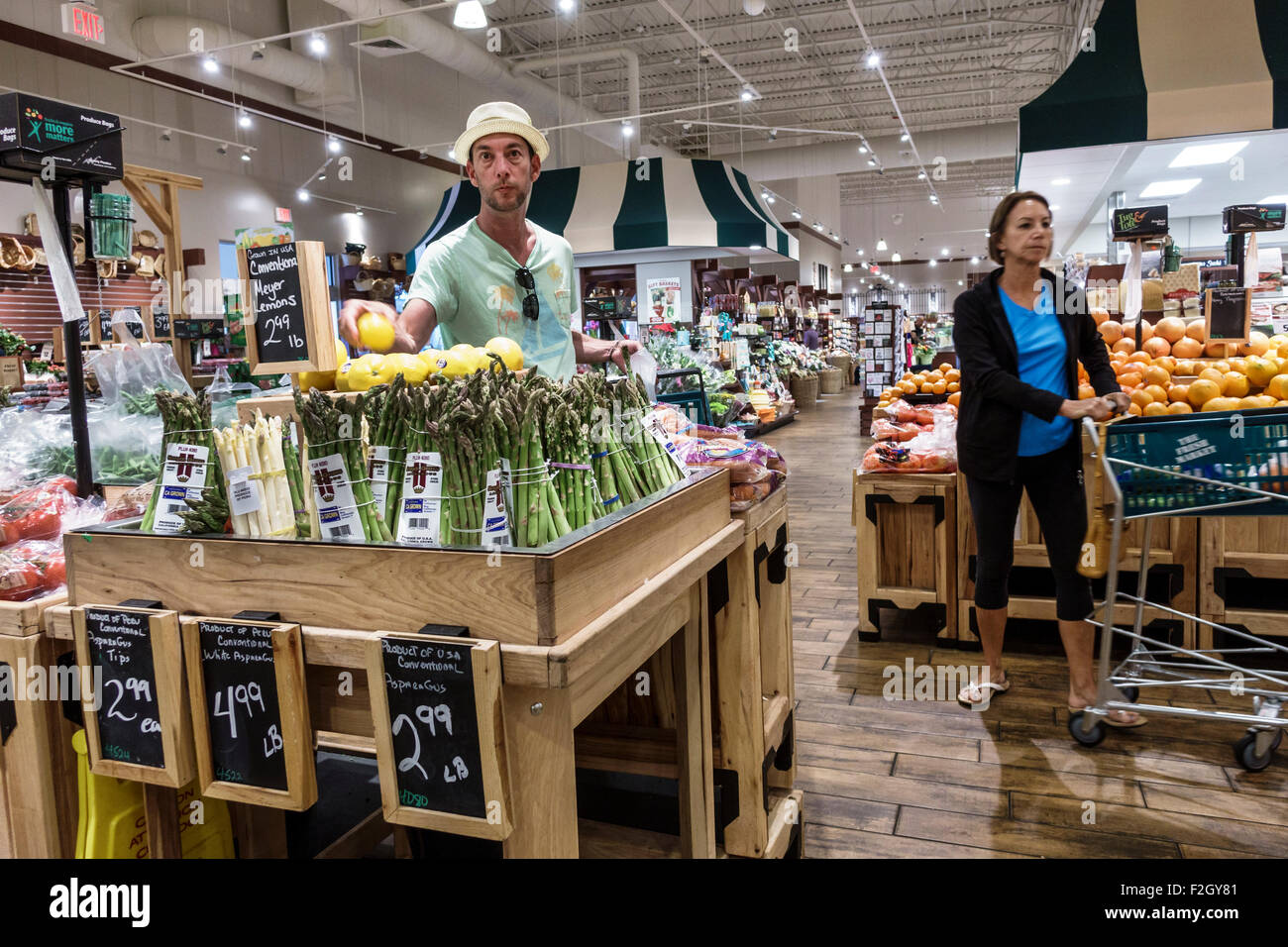 Florida Delray Beach The Fresh Market grocery store supermarket food shopping sale inside display shelves - Stock Image