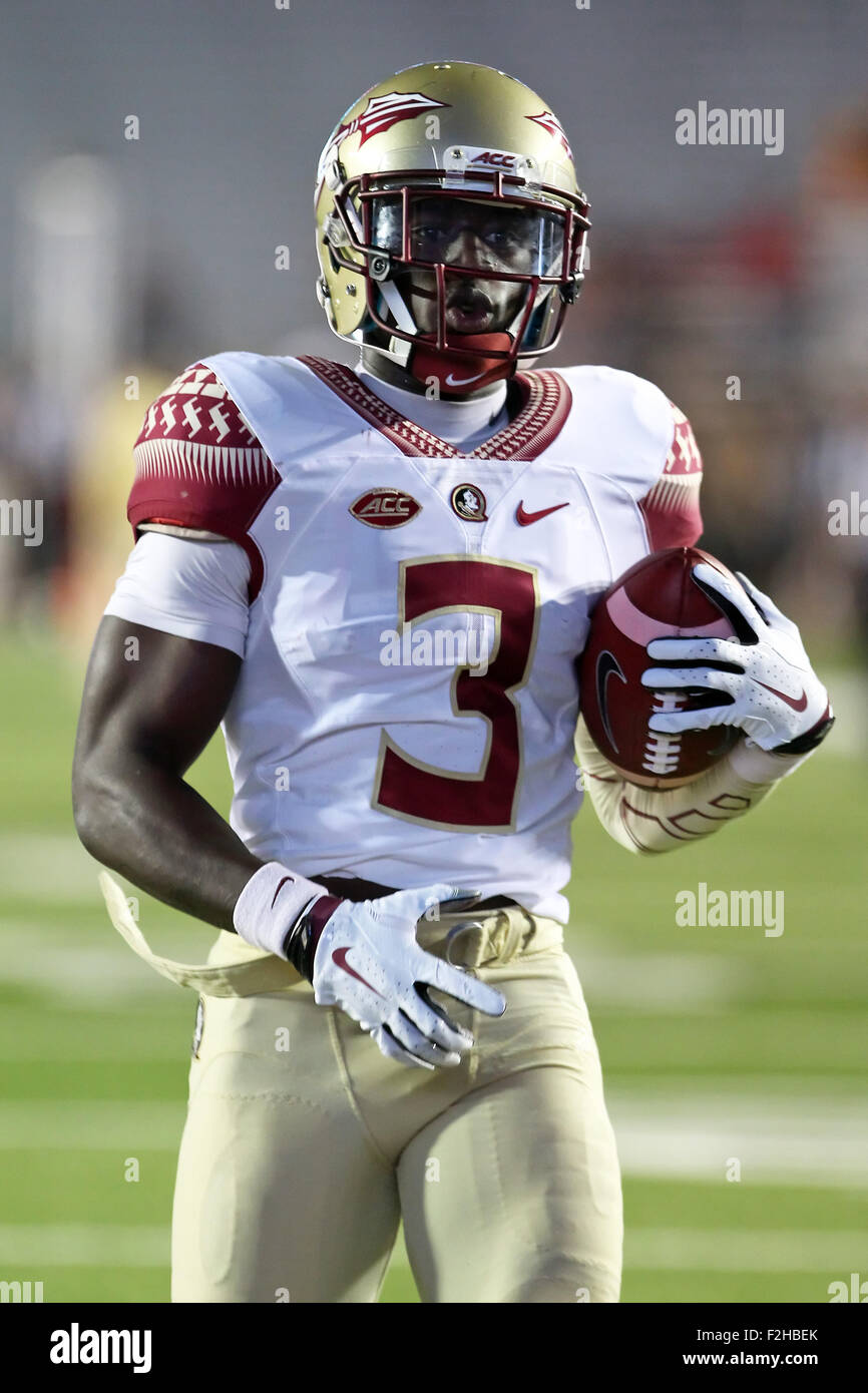 September 18, 2015; Chestnut Hill, MA, USA; Florida State Seminoles wide receiver Jesus Wilson (3) warms up prior - Stock Image