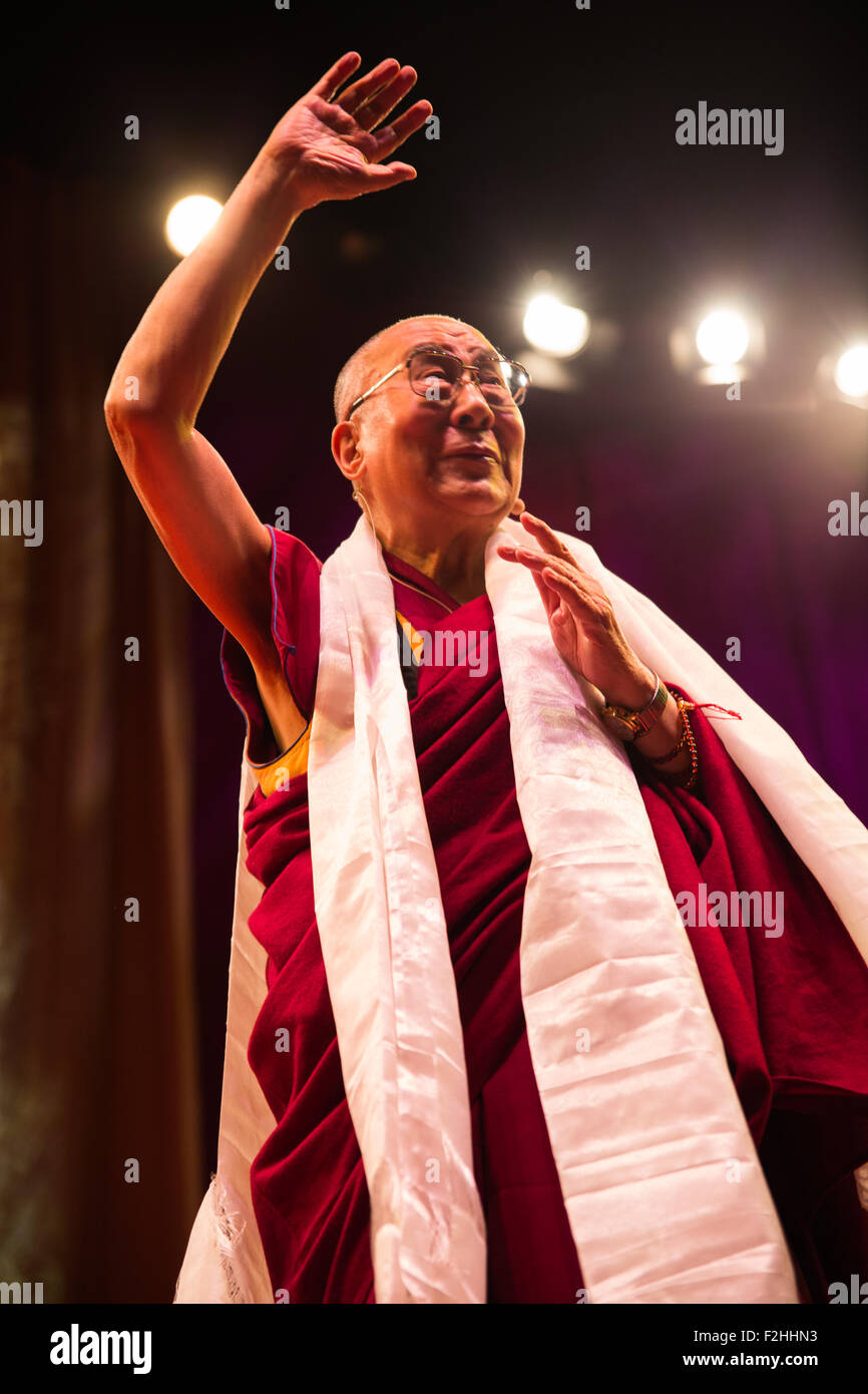 London,Uk  19 September 2015. His Holiness Dalia Lama during his appearance in O2 Arena, UK. Credit:  Pete Lusabia/Alamy - Stock Image